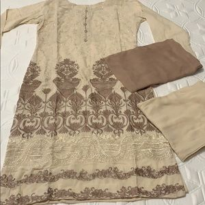 Dresses & Skirts - 🌹PAKISTANI SHALWAR KAMEEZ WITH BANARSI DESIGN🌹